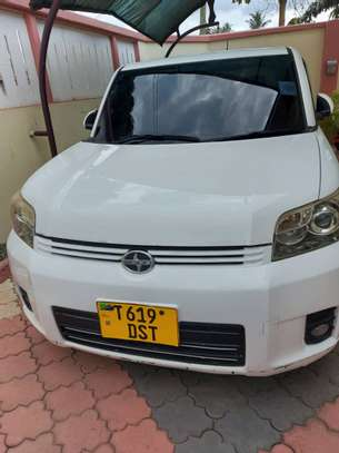 2010 Toyota Rumion image 1
