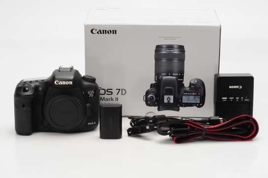 New Canon 7D Mark II 20.2MP Digital Camera