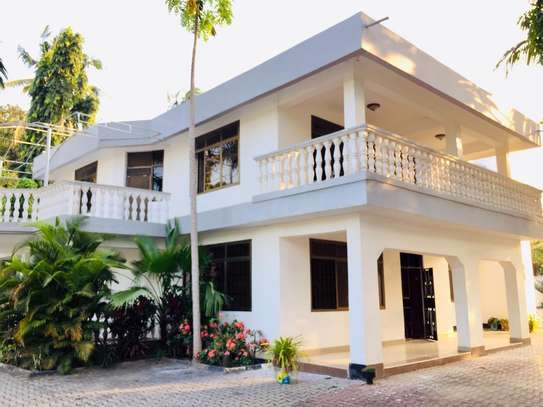 7 bedroom house for sale at mikocheni Ovacado image 2