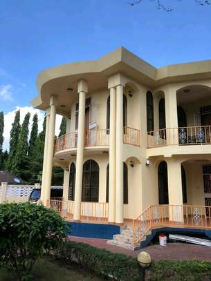 a mansion is available for rent at mbezi beach cool street near main road image 1