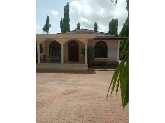 1bed house shered at mikocheni kairuki tsh 400,000 image 4