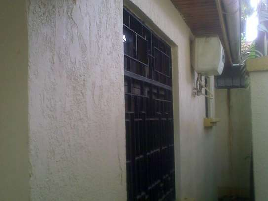 One Bedroom Self Contained Private House image 5