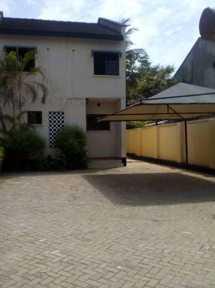 3 bed room house for rent at masaki image 2