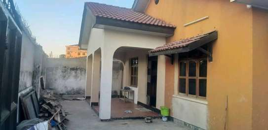 House for sale at makumbusho near bus stand image 12