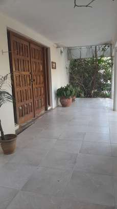 4 Bedrooms Beach House For Rent in Msasani Peninsula image 5
