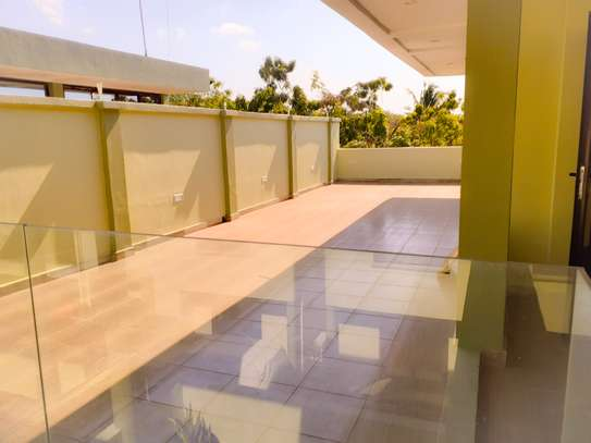 Specious 4 Bedrooms Townhouse In Masaki image 10
