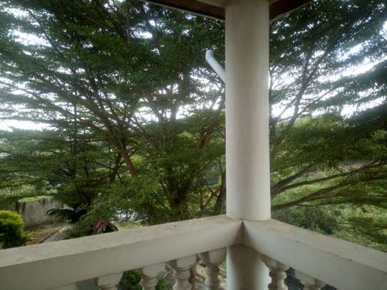 33 bed room house for rent at makongo image 3