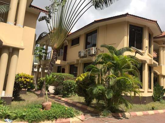 3 BED ROOM HOUSE FOR RENT AT MSASANI image 4
