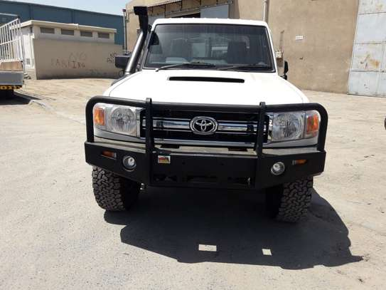 2012 Toyota Land Cruiser Pickup