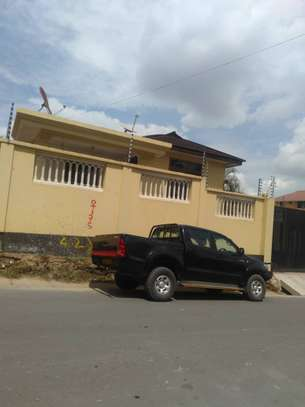 3bed house at moroco  with servant uarter available residance or office image 5