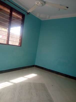 One master bedrm and kitchen to let in block 41 kinondoni Tsh 200,000