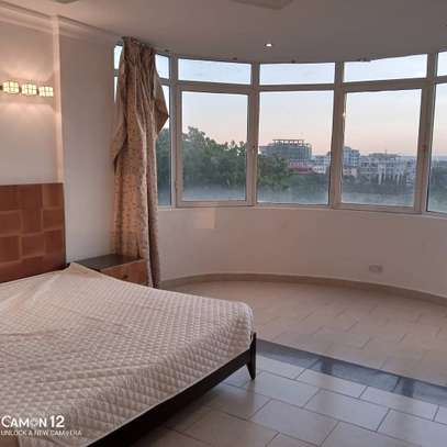 4bdrm Apartment for rent in oyster bay image 3