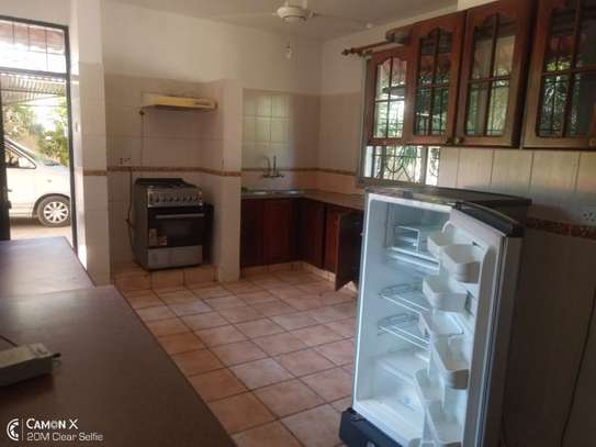 4bed house in the compound at masaki $2500pm image 12