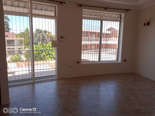 2 beautiful villah for Rent at Oysterbay with 3bedroom each, swimming pool for only usd 4000 image 13