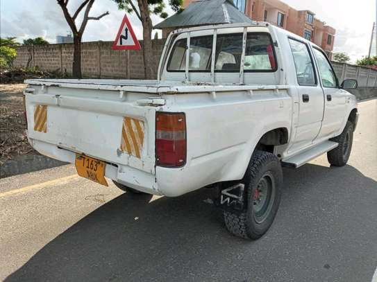 1996 Toyota Hilux image 10