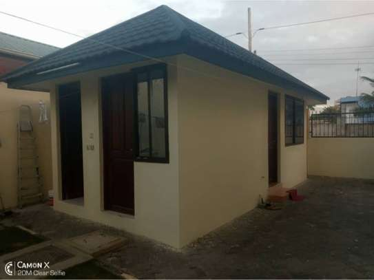 4bed house for rent at msasani $2000pm image 8