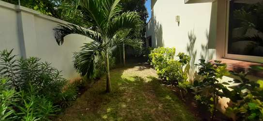 Beautiful Quality Home In Oysterbay For Rent image 6