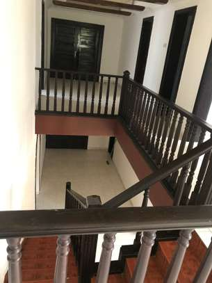 A house for Rent at Msasani Penusula,  beach front with 5 bedrooms for only usd 2500
