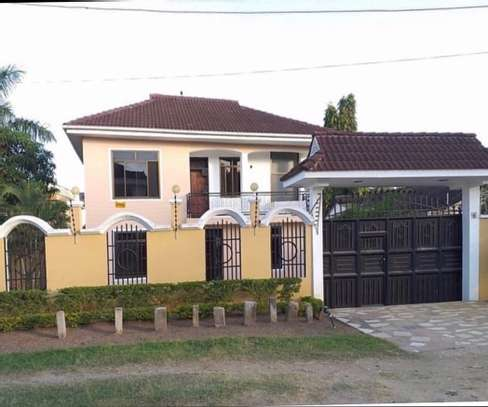4 Bedroom House Mbezi Beach image 1