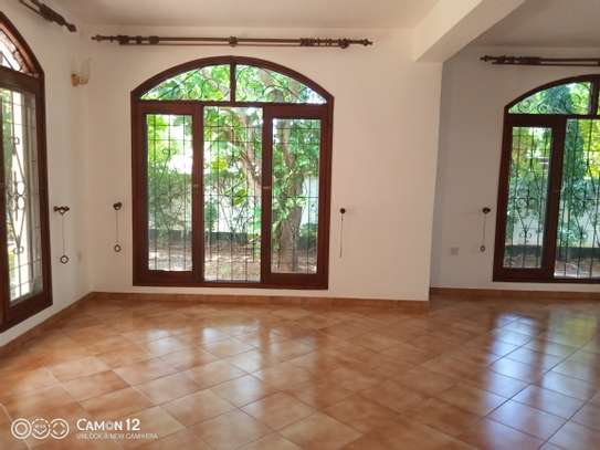 4bdrm house for rent in masaki image 2