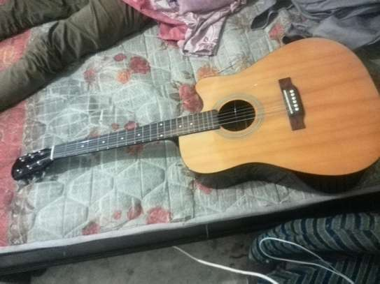 Acoustic guiter image 2