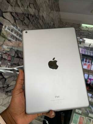iPad Air 2 ( 6th Generation ) 32GB Spacegray for sale image 10