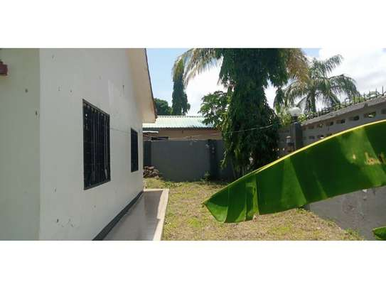 3bed house for sale 800sqm at mbezi beach africana tsh 350m image 2