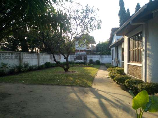 4bedroom house in Mikocheni A' to let $1200. image 7