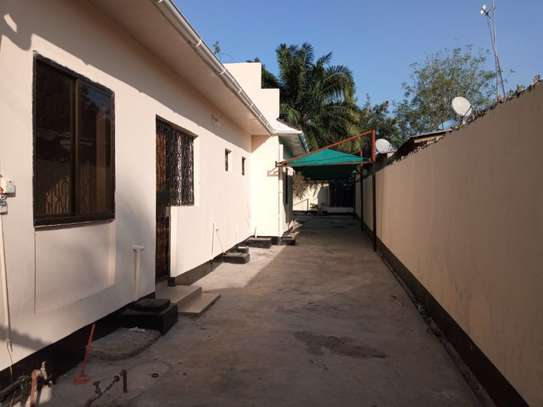 3bed house at mikocheni a tsh 1,200,000pm image 1