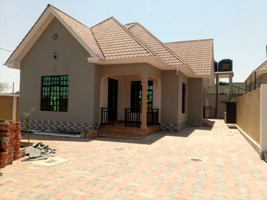 BRAND NEW 3BEDROOMS HOUSE AT BURKA/WESTERN ARUSHA
