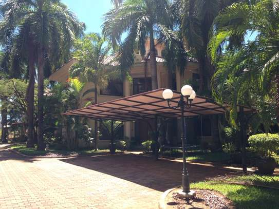 Specious 4 Bedroom Villas In Oyster Bay With Maids Room