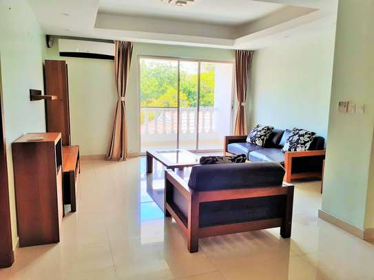3 Bedrooms Apartments in Oyster Bay
