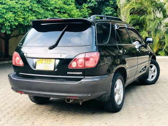2000 Toyota Harrier image 6
