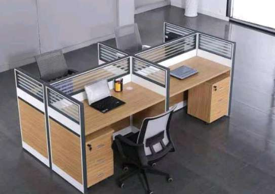 Workstation table ( 4 seaters) image 1