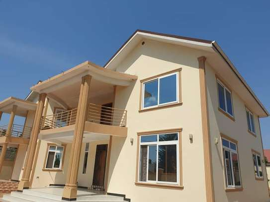 4 bed room house for rent at ununio image 1