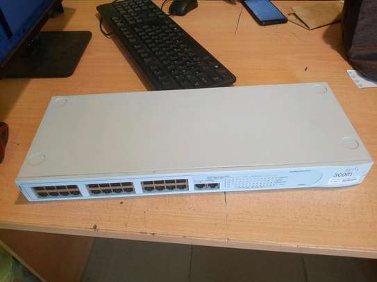 24 ports 3COM Networking Switch