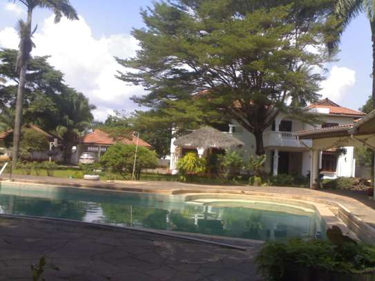 4/5Bdrms big an beautiful house for sale oysterbay image 1