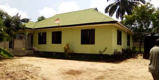 3 bed room house for sale  at madale image 3