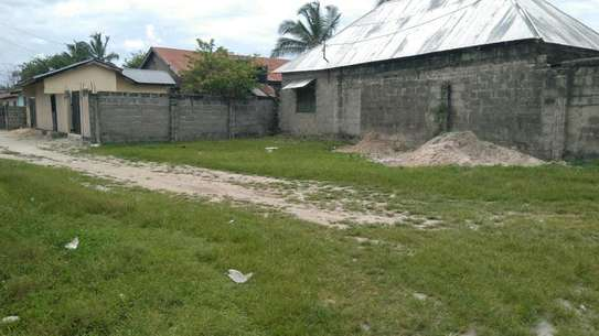 OWN VERY LOW PRICE LAND ONLY 2 KMS FROM FERRY image 1