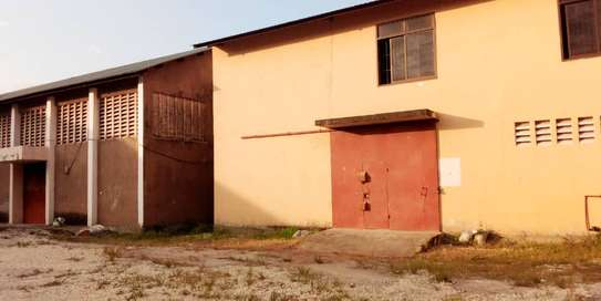 godown  available for rent at changombe industrial area  in differences sizes close to port of dar image 1