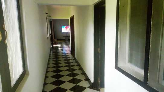 BEAUTIFUL MODERN HOUSE FOR RENT IN MSASANI image 6