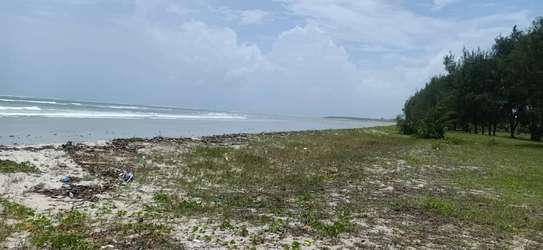 Beach plot for sale at kigamboni