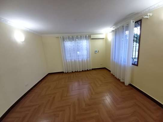 Bungalow and luxury stand alone house for rent at OYSTERBAY image 10