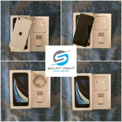 Used iPhone SE 2020 Excellent Condition Like New image 1