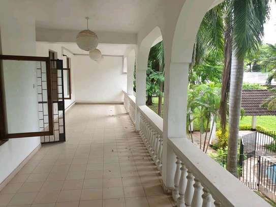 a  HOUSE close by the BEACH in OYSTERBAY  is now avaialable for SALE image 6