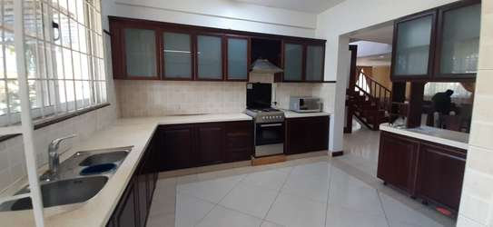 3 Bedrooms Plus Office Villas For Rent in Oysterbay image 7