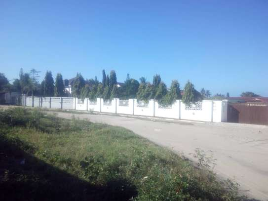 1383 Sqm Prime Plot at Ununio