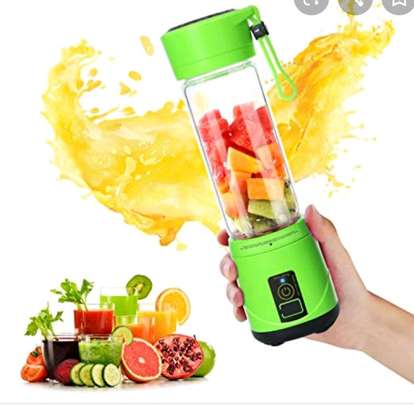 portable blender rechargeable 45000/= image 1