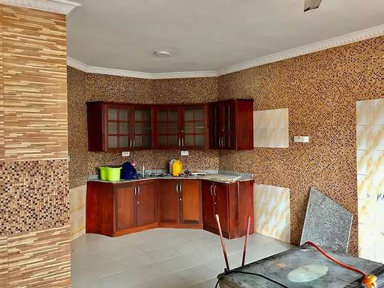 5 bed room all ensuite for rent at ununio image 5