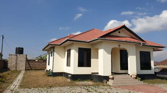 4 BEDROOM HOUSE IN UYOLE MBEYA CITY FOR RENTING image 1